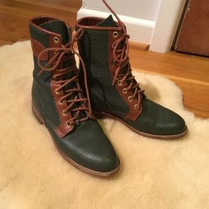 Vintage Justin green pebbled leather lace up boot